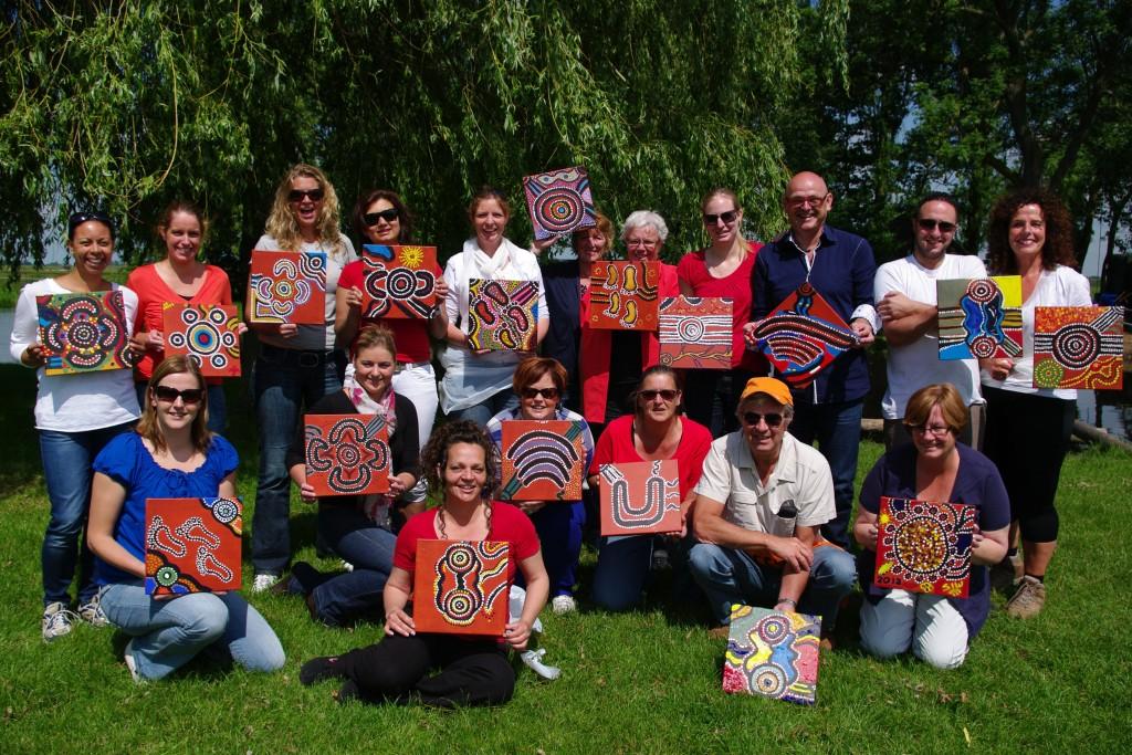 Workshop Multipainting teamuitje SIW Gorinchem op recreatieboerderij De Notenhoeve
